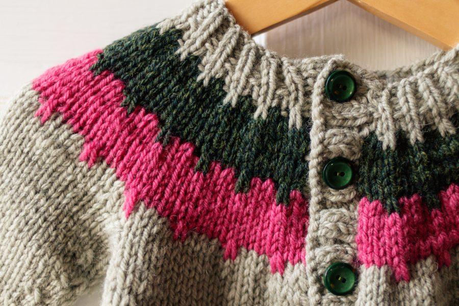 Cogwheel Baby Cardigan Knitting Pattern: Yoke close-up
